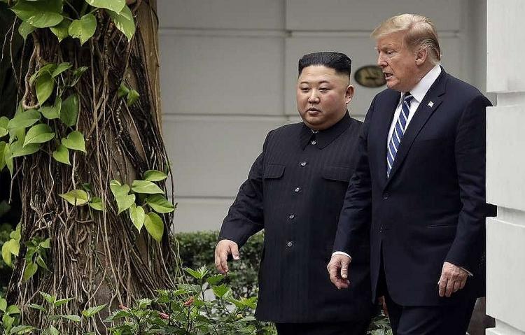 0041_Kim_Jong_Un_-_D._Trump.jpg